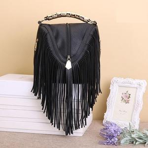 Image 4 - Лидер продаж, модные женские сумки через плечо с кисточками, сумки тоуты из искусственной кожи, сумки мессенджеры с металлическими блестящими ручками, сумки с бахромой