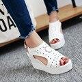 Новые прибытия летняя обувь женщины клин пятки платформы сандалии peep toe женщин белые каблуки насосы обувь hight пятки женская обувь