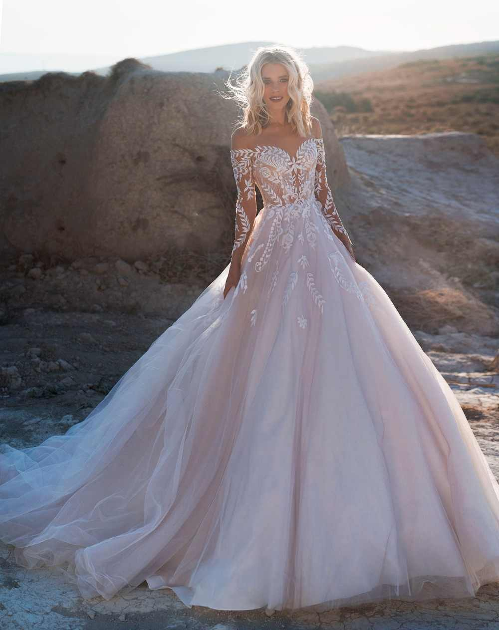 2019 boêmio vestidos de casamento fora do ombro mangas compridas rendas apliques vestidos de noiva trem varredura vestido de casamento robe de mariee