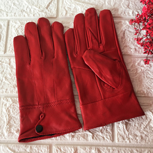 New Women Winter Leather gloves Genuine Leather Gloves Warm Fluff Woman Soft Female Faux Fur Lining High-quality Mittens Gift woman bag material is a high quality varnish faux leather