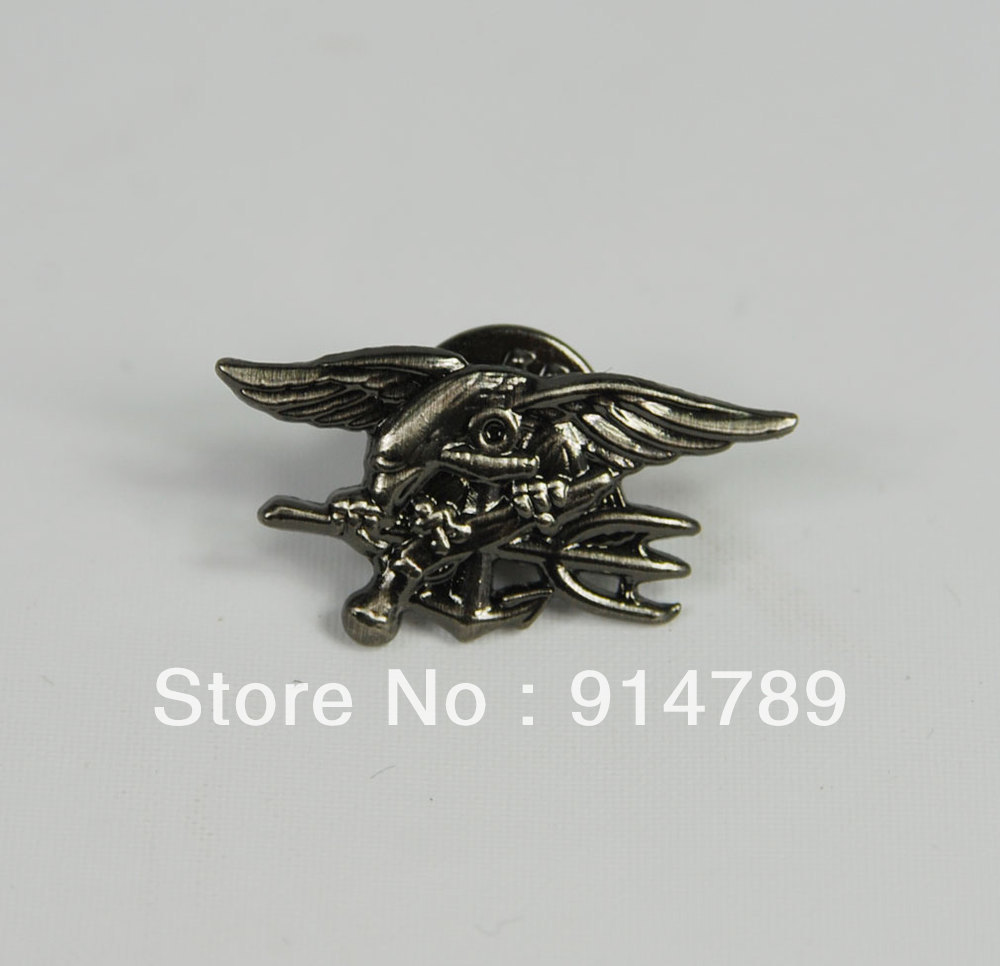 US NAVY SEAL EAGLE ANCHOR TRIDENT MINI METAL BADGE INSIGNIA BLACK -33064