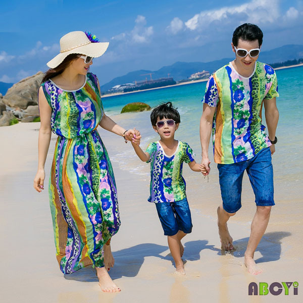 c906ea7f15 Summer Family Set Clothing 2015 Couple Outfits Mother Daughter Dresses  Matching Beach Boy Tops and Tees Father Son Shirt A6011-in Matching Family  Outfits ...