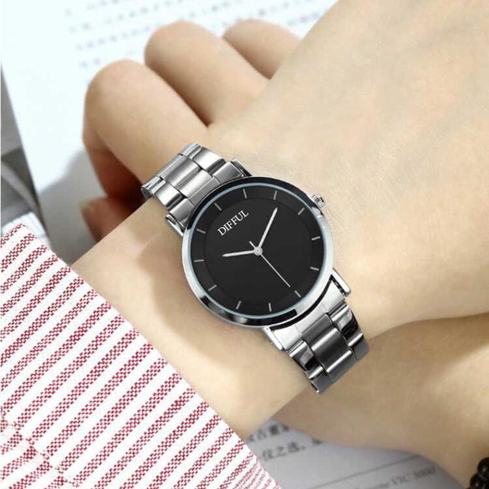 LinTimes 1pc Lovers Watches Stylish Alloy Business Quartz Watch Sports Wristwatch Ornament Gift For Women Men