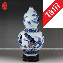The real thing Jingdezhen blue and white vase hand-painted ceramic antique blue and white lotus gourd bottle