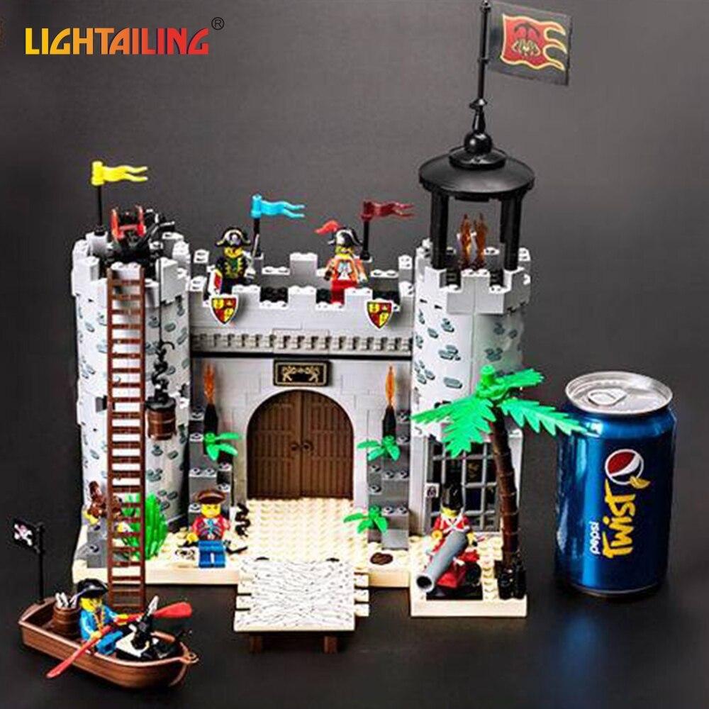 ФОТО LIGHTAILING Brand 366 Piece Robbing Barracks Pirates Figures Series Castle Building Blocks Model Toy