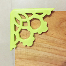4Pcs/Pack Corner Protector Baby Kids Table Desk Corner Guard Children Safety Edge Guards Furniture Accessories Green/White