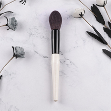 Professional BB Powder Brush Wood Handle Soft Goat Hair Big Flame Shape Precision Makeup Powder Brushes Cosmetic Tool