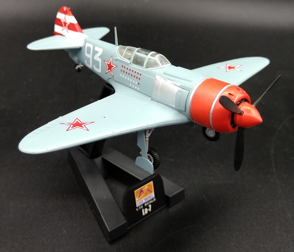 1:72  Soviet LA-7 Fighter Model In World War II  Trump Card  Trumpeter Finished Product 36332  Collection Model