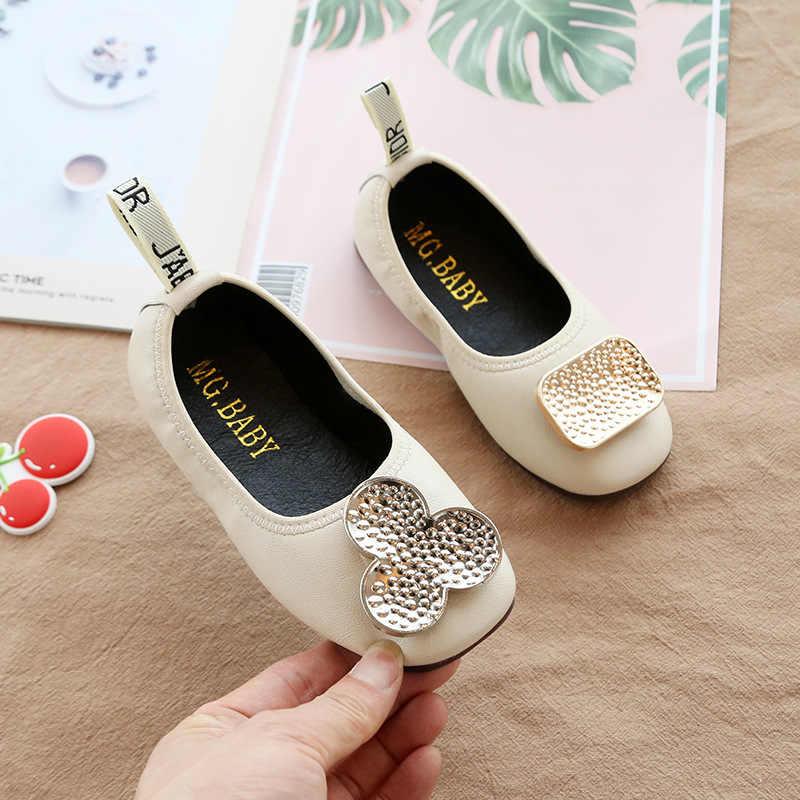 รองเท้าหนังเด็กสาว 2019 ฤดูใบไม้ร่วงใหม่แมนดารินเป็ดหัวเข็มขัดเดี่ยวรองเท้า soft sole เด็ก bean รองเท้าสแควร์ปากเจ้าหญิงรองเท้า