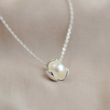 New 925 Silver Imitation Pearl Flower Necklaces Pendant Love Sterling Silver Jewelry for Women Bijoux Hot Sale