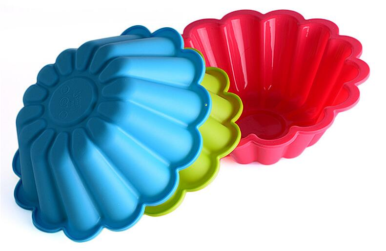 1PC 24cm Fondant Silicone Cake Molds Chrysanthemum Baking Bakeware Cookie Mould Pastry Cake Decorating Tool Random Color LB 604 in Cake Molds from Home Garden