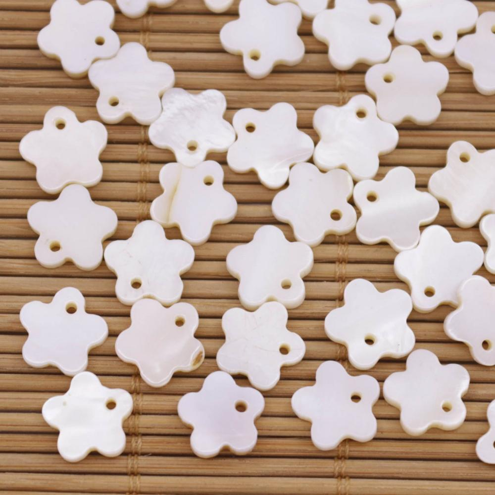 Купить с кэшбэком 50 PCS 10-11mm Flower Shell Natural White Mother of Pearl Pendant Jewelry Making