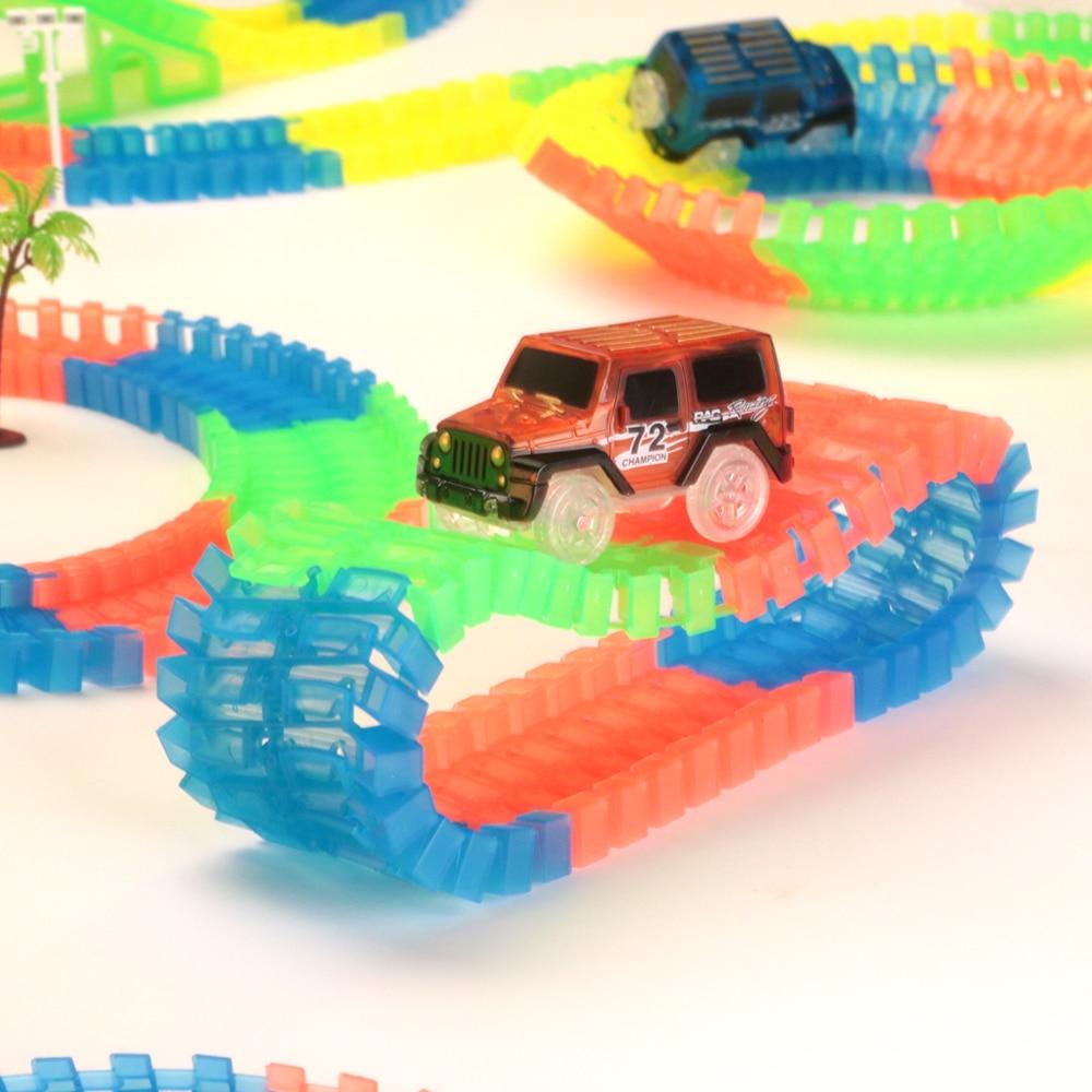 Железнодорожная волшебный светящийся гибкие трек автомобиль игрушки детей гонки изгиб рельсового пути привели Электронная вспышка света автомобиля DIY игрушки детям подарок