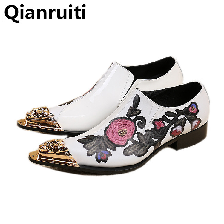 Qianruiti Men Shoes Slip-on Metal Toe Loafers with Embroidery Low Heeled Men Flat Casual Shoes Man Driving Moccasins Espadrilles new black embroidery loafers men luxury velvet smoking slippers british mens casual boat shoes slip on flat shoes espadrilles