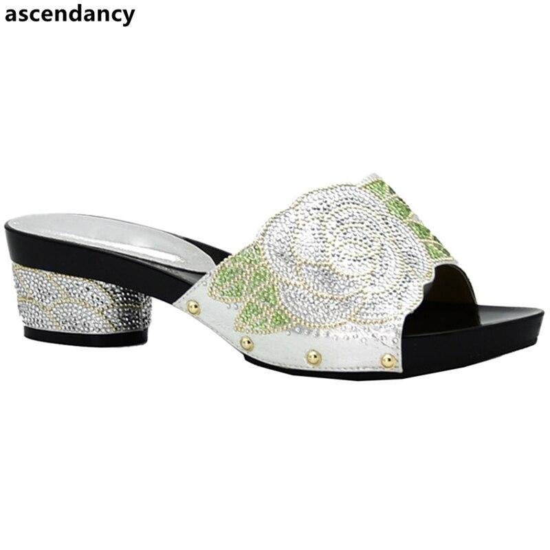 Новейшие свадебные туфли, украшенные Стразы, модные африканские женские вечерние туфли, слипоны для женщин, итальянские женские вечерние т...