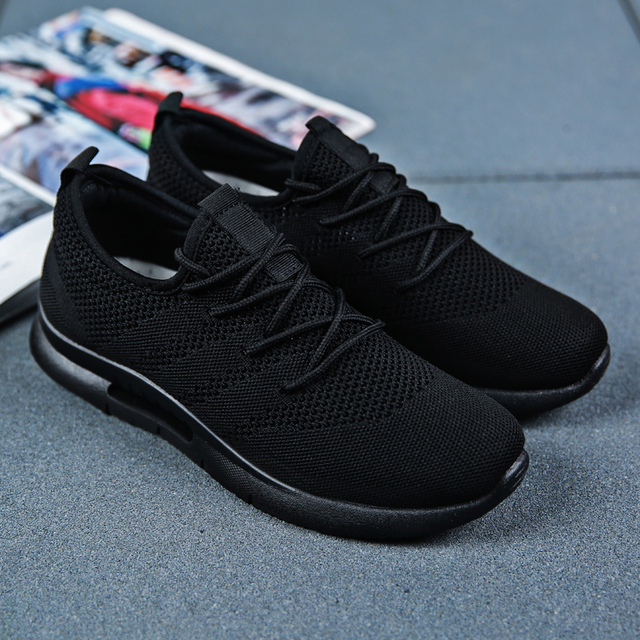 2019 Spring Summer Men Running Shoes Light Weight Classic Lace Up Low-Cut Flyweather Men Sport Shoes Black Walking Sneakers Men 5