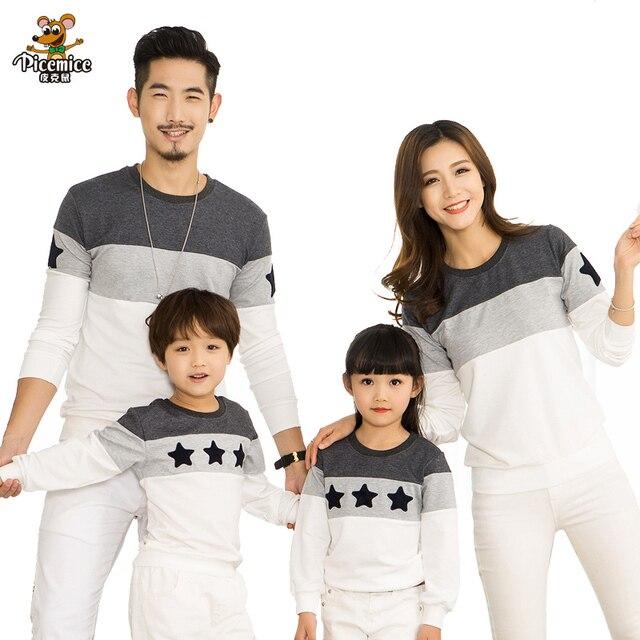 Семья взгляд 2017 моды мать отец ребенка хлопок мама и я одежда семья clothing вышивка звезда семья соответствующие наряды