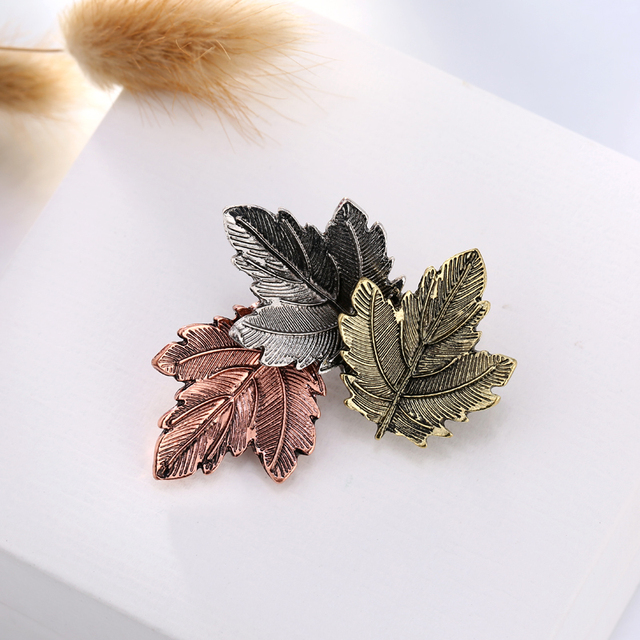 Three Color Maple Leaf Brooch Pins Suit Sweater Collar Lapel Metal Pin Leaves Brooches Accessories XR260