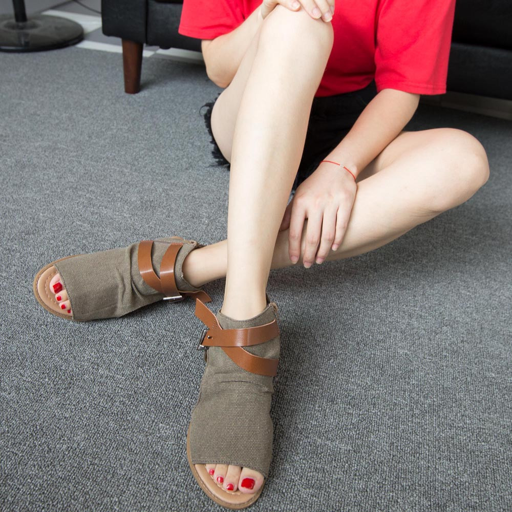2018 New Thick with Sandals Female Summer Flat Heel Fish Mouth Buckle Roman Shoes Solid Color Low-heeled Women Sandals2018 New Thick with Sandals Female Summer Flat Heel Fish Mouth Buckle Roman Shoes Solid Color Low-heeled Women Sandals