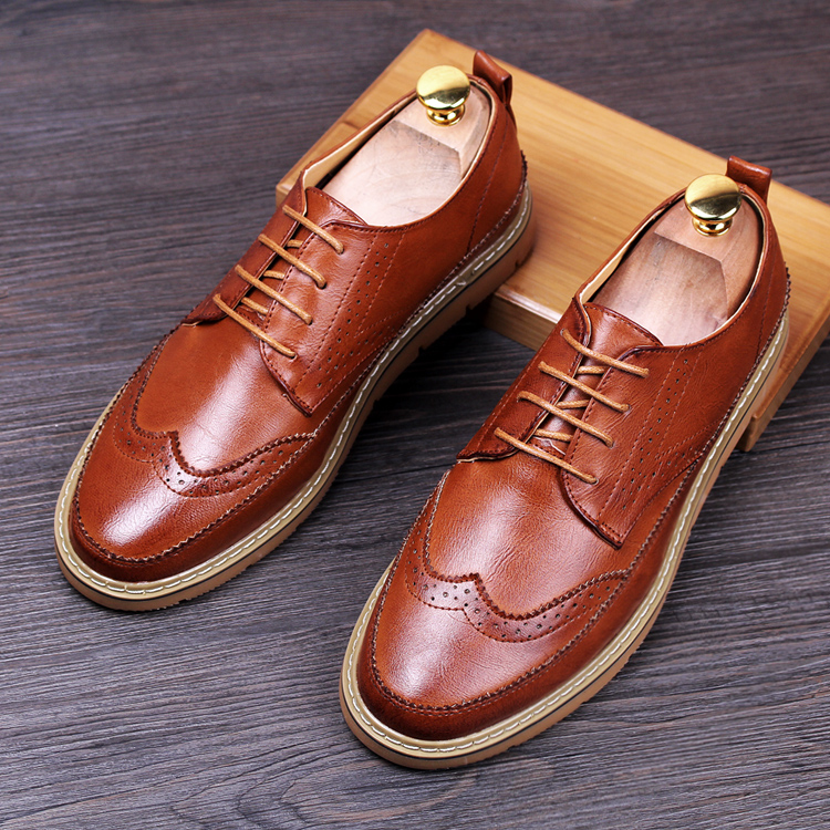 British fashion men business wedding genuine leather flats brogue shoes lace-up carved bullock oxfords shoe italian handmade man high quality men s shoes genuine leather british style mens loafers lace up business men oxfords shoes wedding dress flats shoes