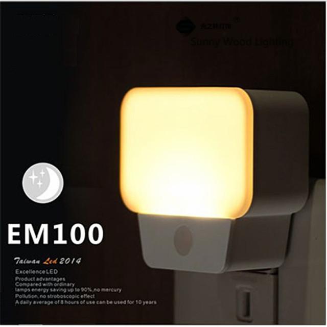 0.5 W 200-240Vac blanco blanco cálido LED sensor de luz Socket lámpara de la noche, brillo de detección automática de la lámpara de pared
