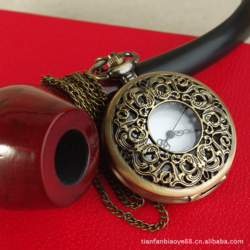 Fashion New Large Hollow Big Old Flower Pocket Watch Retro Winding Flower Pocket Watch With Necklace
