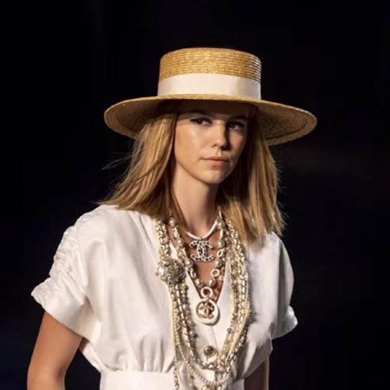 PADEGAO Women Summer wheat Straw Hats Fashion Flat Top Boater Hat women Men's Beach Sun Hats