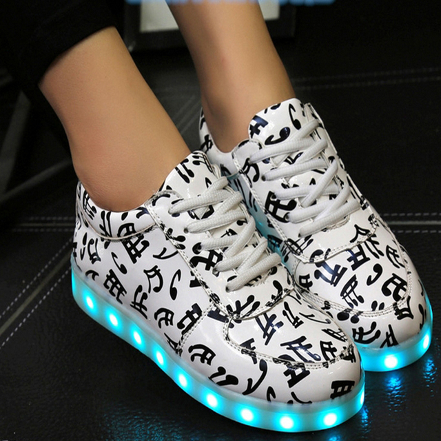 2016 LED Light Up Women Chaussures Lumineuse Zapatos Schoenen Stansmith schuhe luminous Femme Adults Couples Casual