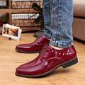 Designer Pointed Toe Shoes For Man Rivets Brogue Red Leather Shoes Tide Of Leisure Black Lace Up Younger Party Shoes 38-44