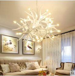 Lampa wisząca rustykalny salon jadalnia biały poroża żyrandol w stylu śródziemnomorskim kreatywny bar ogród żywica żyrandol w Wiszące lampki od Lampy i oświetlenie na