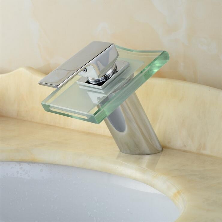 Robinet de lavabo court en cuivre robinet d'eau de mélangeur de cascade, LED de robinet de bassin d'évier de salle de bains, robinet de lavabo en laiton en verre chaud et froid