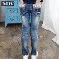 2016 Nuevas Muchachas Del Resorte Delgado Jeans de Mezclilla de Encaje Pantalones Casual Jeans Pantalones Niños Ropa Polainas de La Manera del Envío Libre