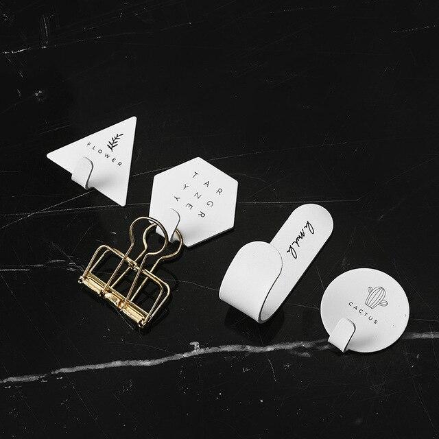 Cintre de porte en métal auto-adhésif   Crochet de porte en métal nordique porte-manteau vêtements porte-chapeau de clé support de rangement pour articles divers, organisateur de cuisine, outil de décoration de la maison