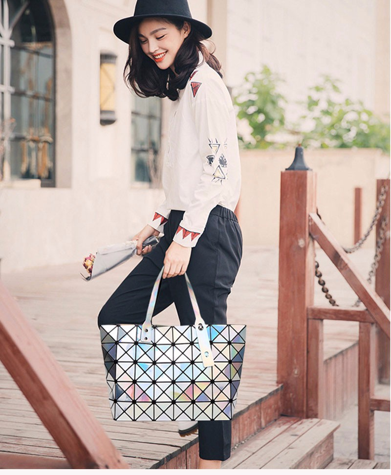 Laser-BaoBao-Women-Dazzle-Color-Plaid-Tote-Casual-Bags-Female-Fashion-Fold-Over-Handbags-Lady-Sequins-Mirror-Saser-Bag-Bao-Bao_01