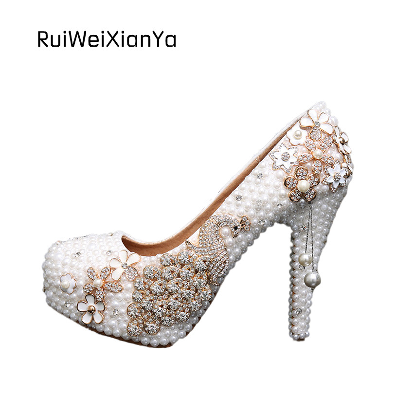 2017 New Fashion Zapatos Mujer Bridal White Wedding Shoes Woman Pumps High Heels Diamond Pearl Platform Shoes Plus Size Hot Sale 2017 new fashion spring ladies pointed toe shoes woman flats crystal diamond silver wedding shoes for bridal plus size hot sale