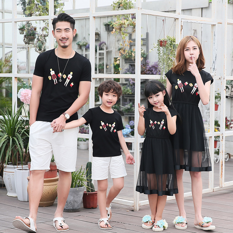 Maggie's Walker Children Summer 2017 New Suit Set Family Look Fashion T-shirts Black Mother and Daughter Mesh Stitching Dresses