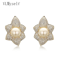 Big Maple leaf design earrings Luxury Jewelry Gold and white color with Shell pearl fashion large stud earring for wedding party