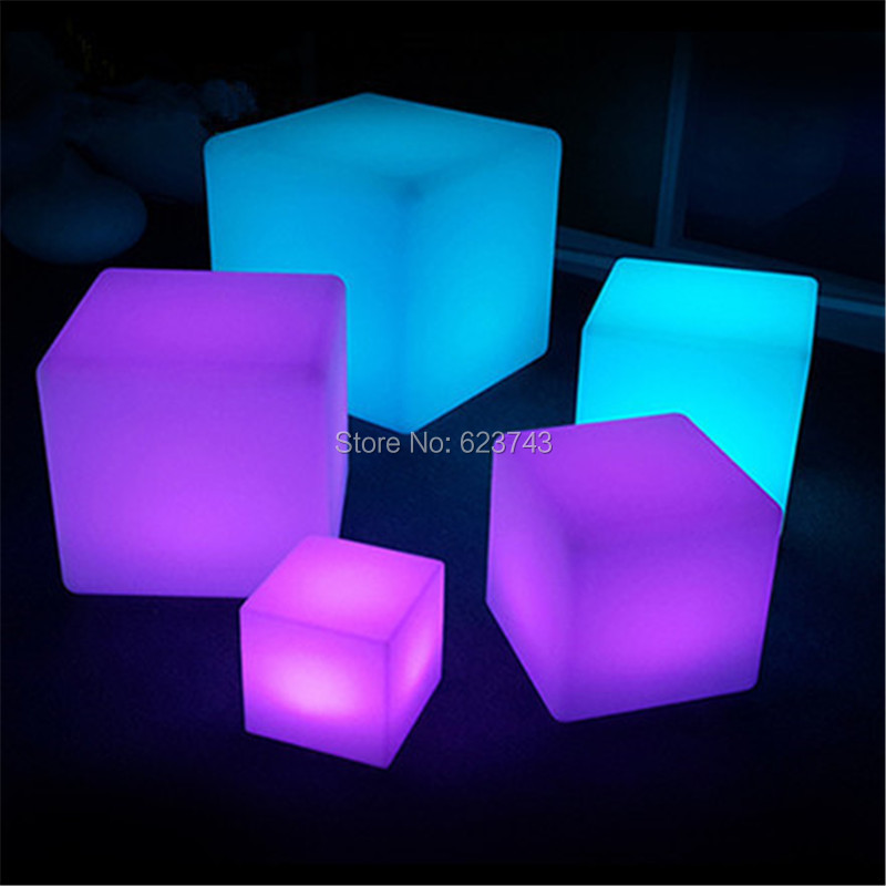 Led-Luminous-Light-Bar-Stool-Color-Changeable-Plastic-Cube-White-Chair (3)