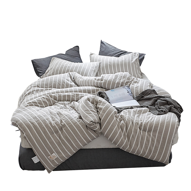 Simple Design Plaid Striped Comforter Winter Cotton Fabric Polyester Filling Full Queen King Size for Double Bed