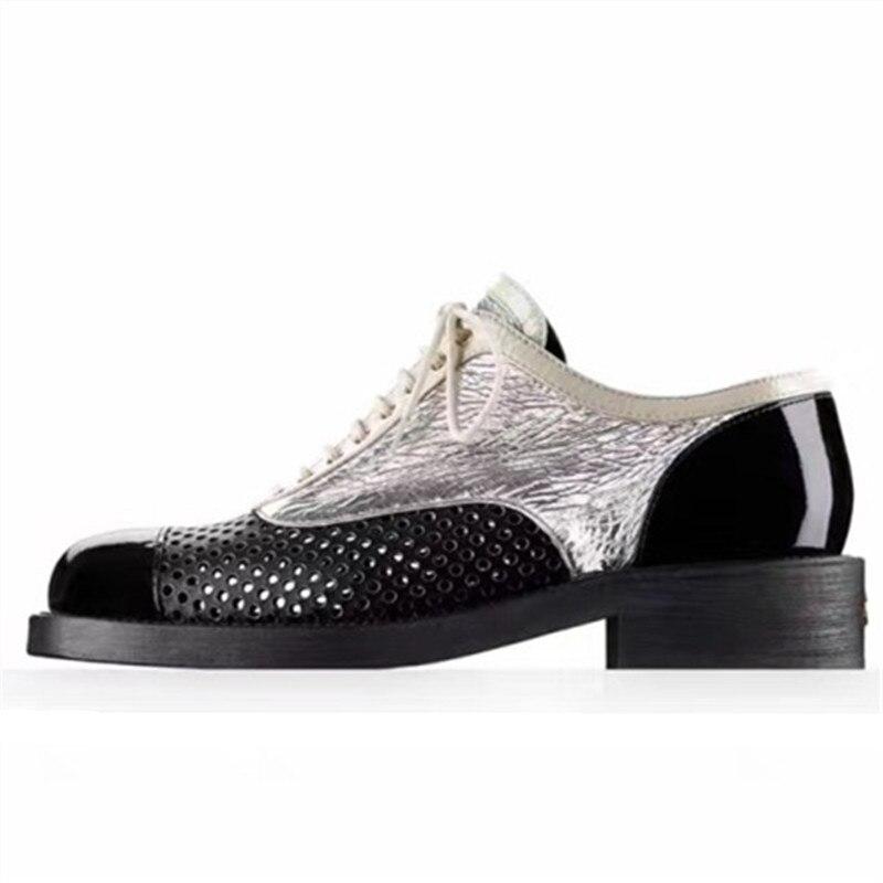 e478adea07 MÁS EL Tamaño 34-43 Brogue Zapatos Mujeres de Los Planos de Nueva Primavera  2017 moda Colores Mezclados Recorte Tallado Lace Up Mujeres Zapatos  Creepers ...
