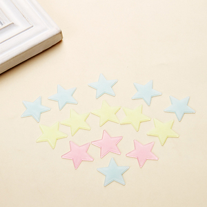 Image 5 - 100pcs Luminous Wall Stickers Glow In The Dark Stars Sticker Decals for Kids Baby rooms Colorful Fluorescent Stickers Home decor