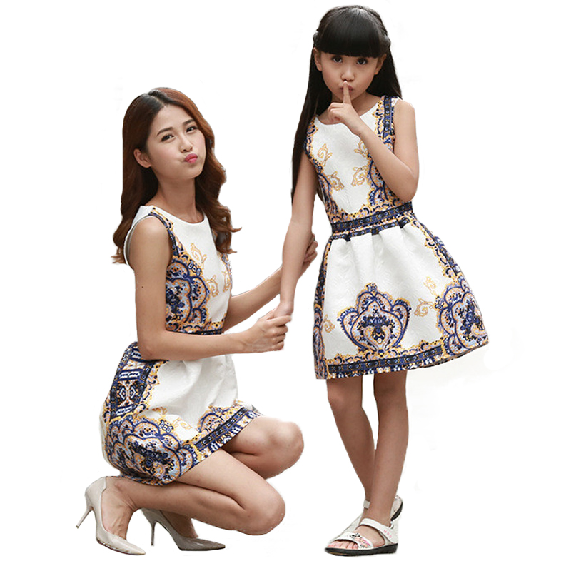796e266954d6 Mother Daughter Dresses Matching Teenage Girl Dress Retro Print Mommy and  Me Clothes Sleeveless Dresses Family
