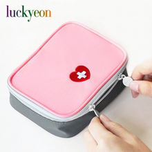 Mini First Aid Kit Medicine Storage Bag Emergency Medical Kit Survival Wrap Gear Hunt Travel Bag Small