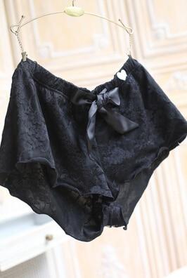 M399, pantalones cortos de lujo para mujer, de seda de satén y encaje de doble capa, pantalones de pijama suaves
