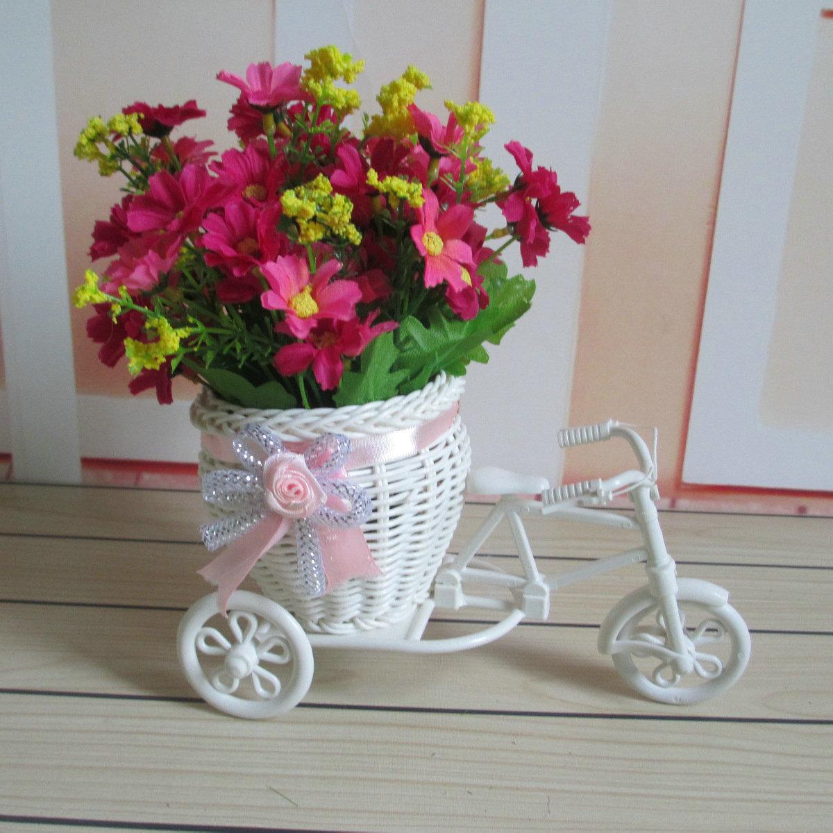 Flower Plastic Weddding Decoration White Tricycle Bike Design Flower