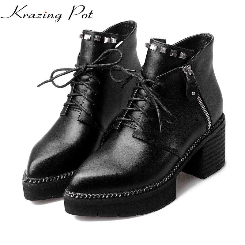 Ayakk.'ten Ayak Bileği Çizmeler'de Krazing Pot tam tahıl deri yüksek topuklu platformu sivri burun fermuar perçinler moda Avrupa tarzı tasarımcı yarım çizmeler L0f1'da  Grup 1