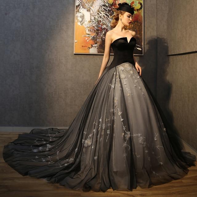 2017 Vintage Gothic Wedding Dress Black Formal Bride Bandage Tulle Ball Gown Long Train Bridal