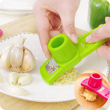 Multifunction Stainless Steel Pressing Garlic Slicer Cutter Shredder Kitchen Too Garlic grinder utensilios para cozinha 0.7(China)
