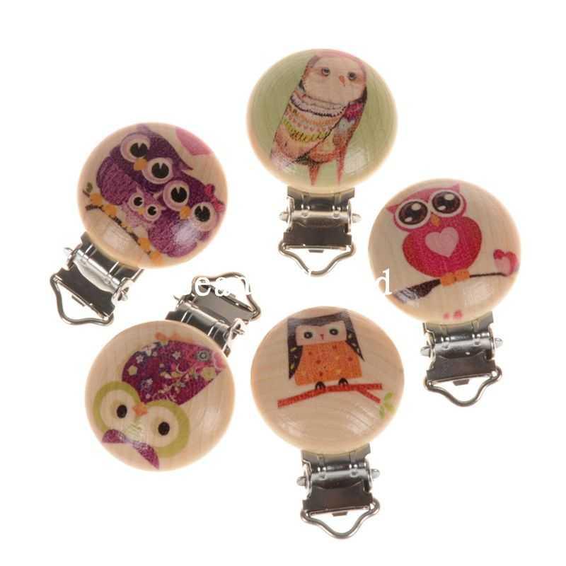 5 Pcs rond couleur naturel bois bébé tétine Clip métal titulaires Cartoon  Owl motif infantile sucette fermoirs accessoires 45 x 29 mm f32354c3d6a