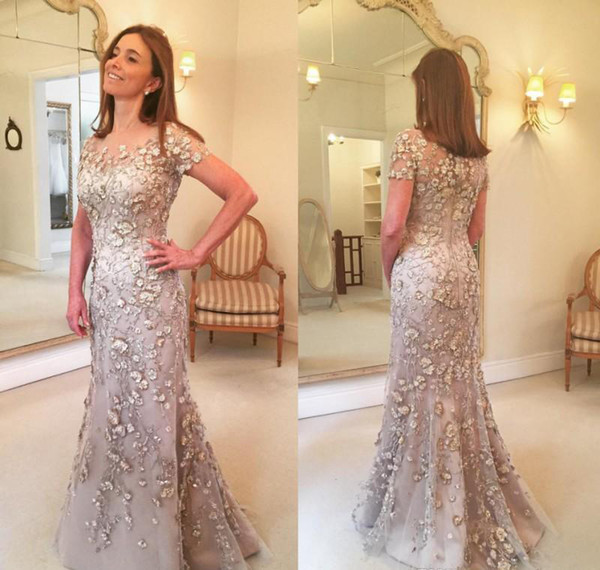 Hot 2018 Short Sleeves Mermaid Mother of the Bride Dresses Lace Long Formal 3D Floral Godmother Evening Wedding Party Guest Gown
